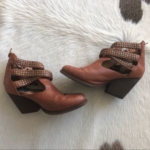 Jeffrey Campbell tan leather ankle booties